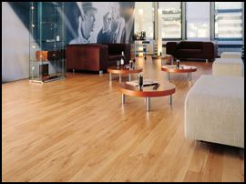 Laminate-flooring-in-modern-room